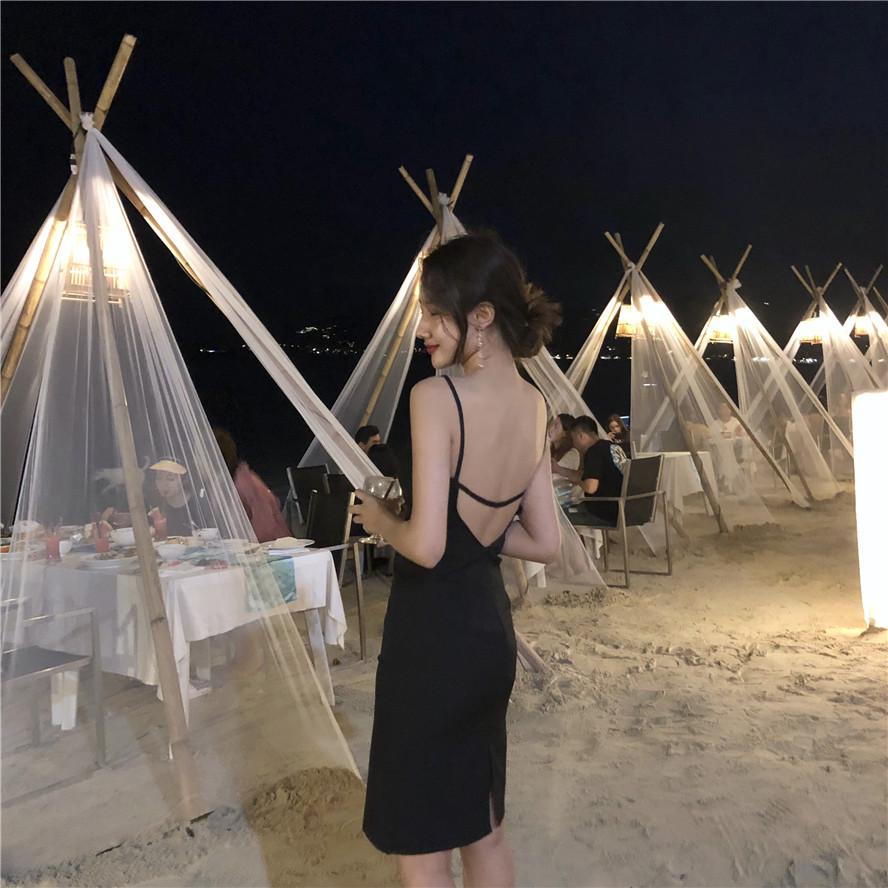 吊带连衣裙女夏裙露背沙滩裙小个子海边度假短裙性感小黑裙显瘦